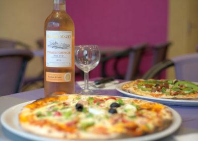 Pizza-pizzeria-boissons-Coca-Orangina-bière-vin-rosé-Quimper-Rouillen-400x284