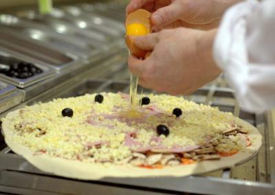 réalisation-pizza-cuisine-bipbip-pizza-30-400x284